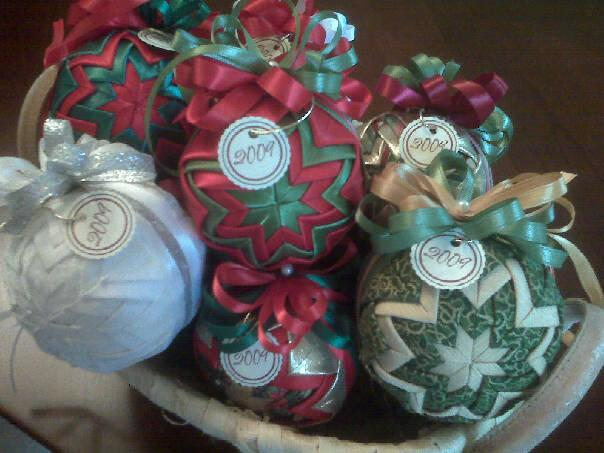 Quilted Ball Ornaments : quilted ball - Adamdwight.com